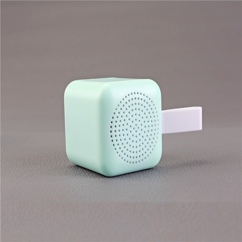 Amazon top quality outdoor Mini luminous gift music speakers for promotion